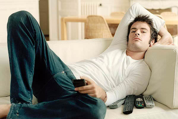Відпочинок перед телевізором підвищує ризик венозного тромбозу