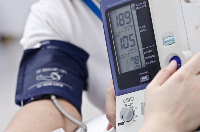 Хвороби, які приймають за підвищений тиск