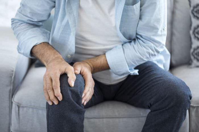 Біль у коліні