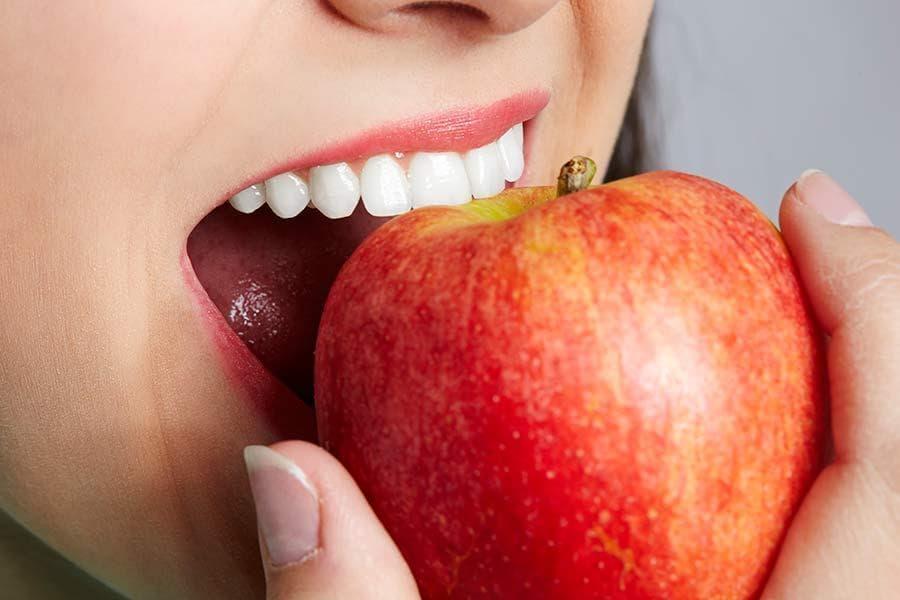 Переваги сучасних технологій імплантації зубів