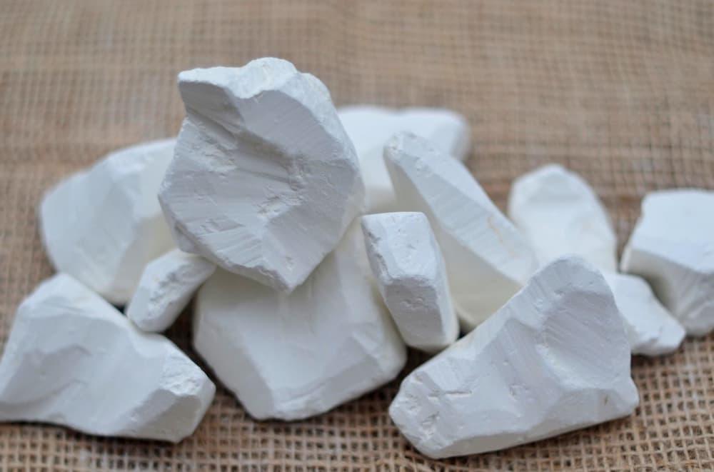 Біла глина