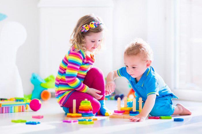 Розвиваючі настільні ігри: чому так подобаються дітям?