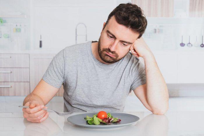 Чому у їжі пропав смак? 15 причин агевзії
