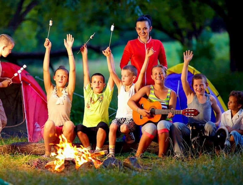 Почему родители выбирают инновационный образовательный лагерь для детей?