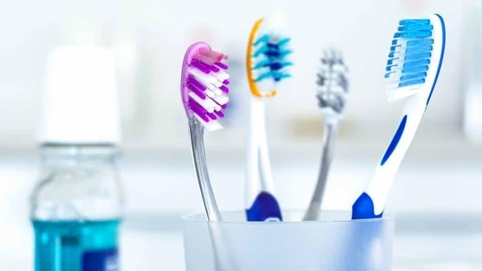 13 фактів про зубну щітку, від яких залежить здоров'я порожнини рота