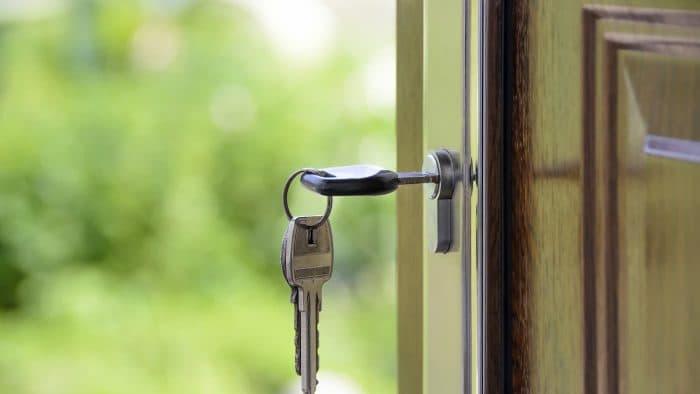 Какие двери самые надежные: безопасный дом