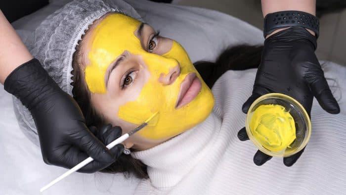 Пілінг жовтий ретиноловий: секрет молодості шкіри