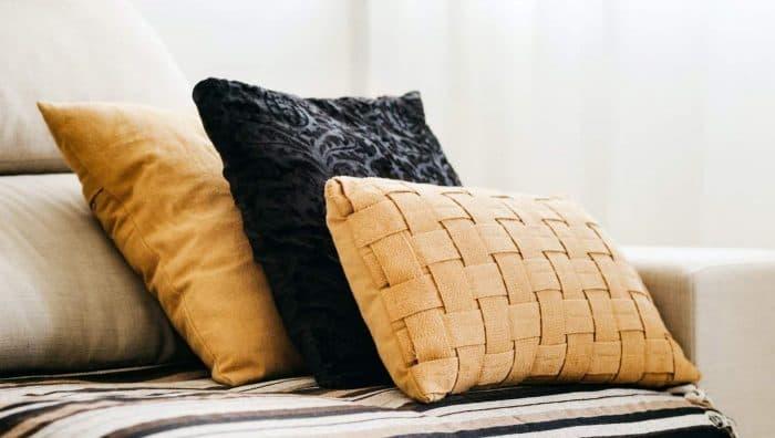 Подушки з синтепону