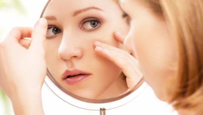 Як стрес впливає на шкіру і поява акне?