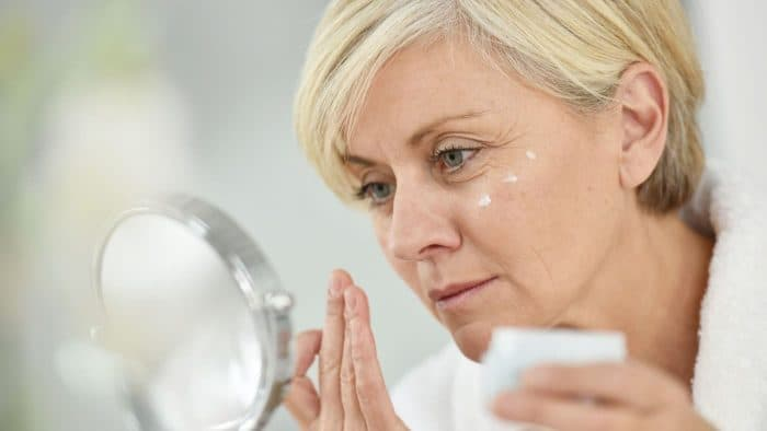 Правила догляду за шкірою 50+ разом з професійною косметикою Теоксан