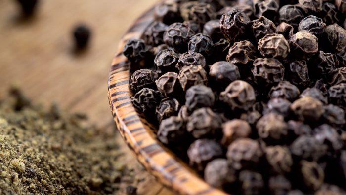 Антиоксидант, антидепресант і популярна приправа: великий успіх маленького чорного перцю