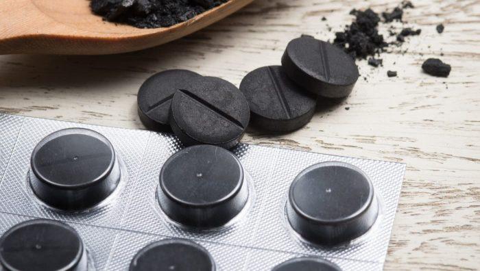 Від чого допомагає активоване вугілля і навіщо його продовжують вживати