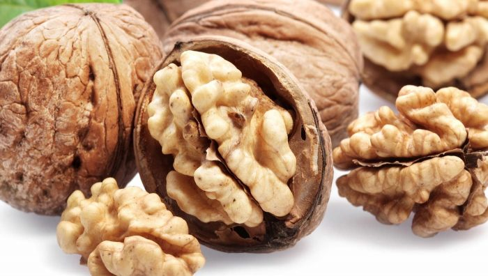 Волоський горіх: 8 наукових фактів про користь